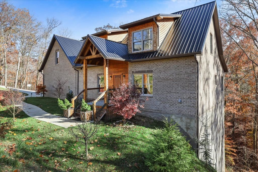 Photo of 429 Longspur Trail, Sevierville, TN 37738 (MLS # 245080)