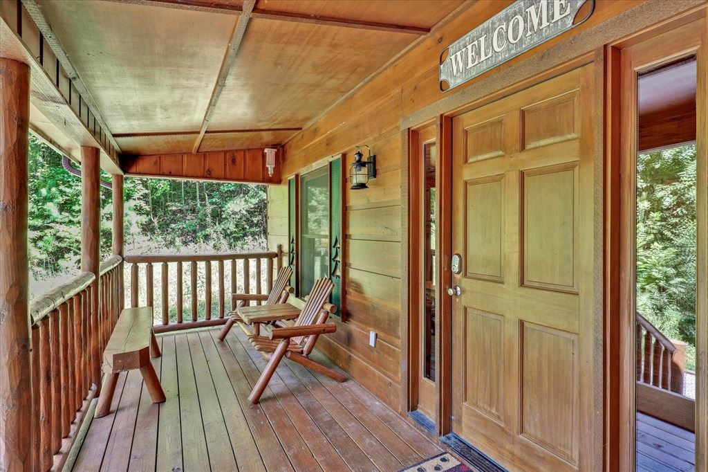 Photo of 3608 Ivy Way, Sevierville, TN 37876 (MLS # 245085)