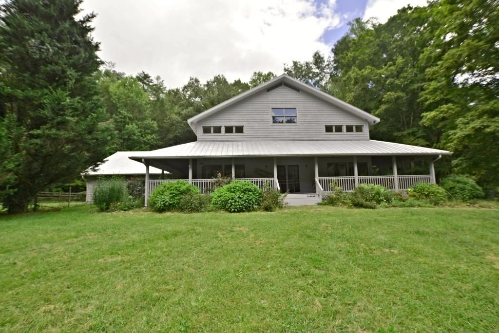 Photo of 974 Obes Branch, Sevierville, TN 37862 (MLS # 245086)