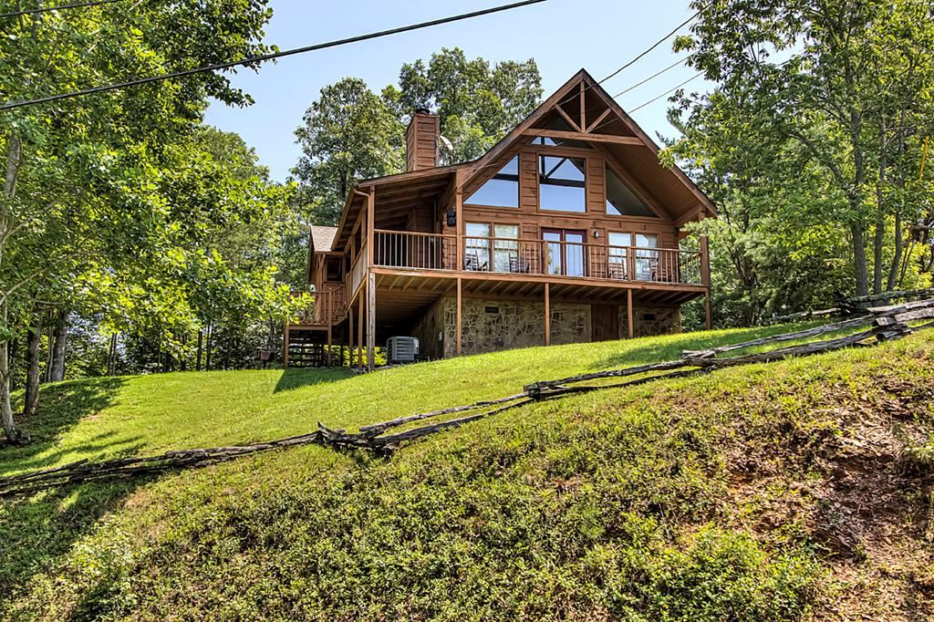 Photo of 3615 Country Pines Way Steven's Tee Pee, Sevierville, TN 37876 (MLS # 244159)