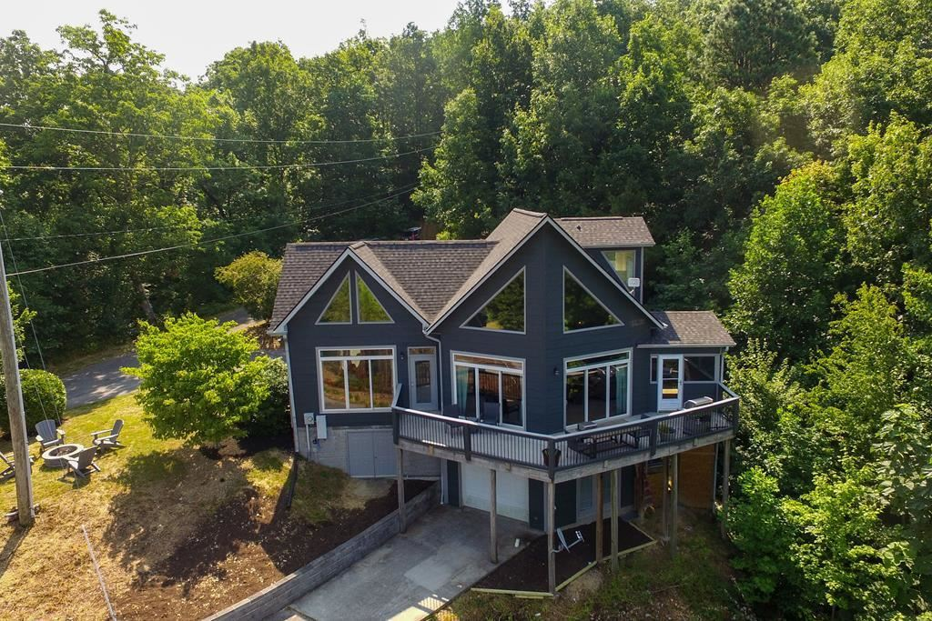 Photo of 2325 Trace Way, Sevierville, TN 37862 (MLS # 244173)