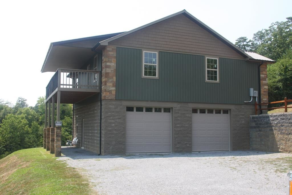 Photo of 1035 Timber Woods Dr, Sevierville, TN 37862 (MLS # 244180)