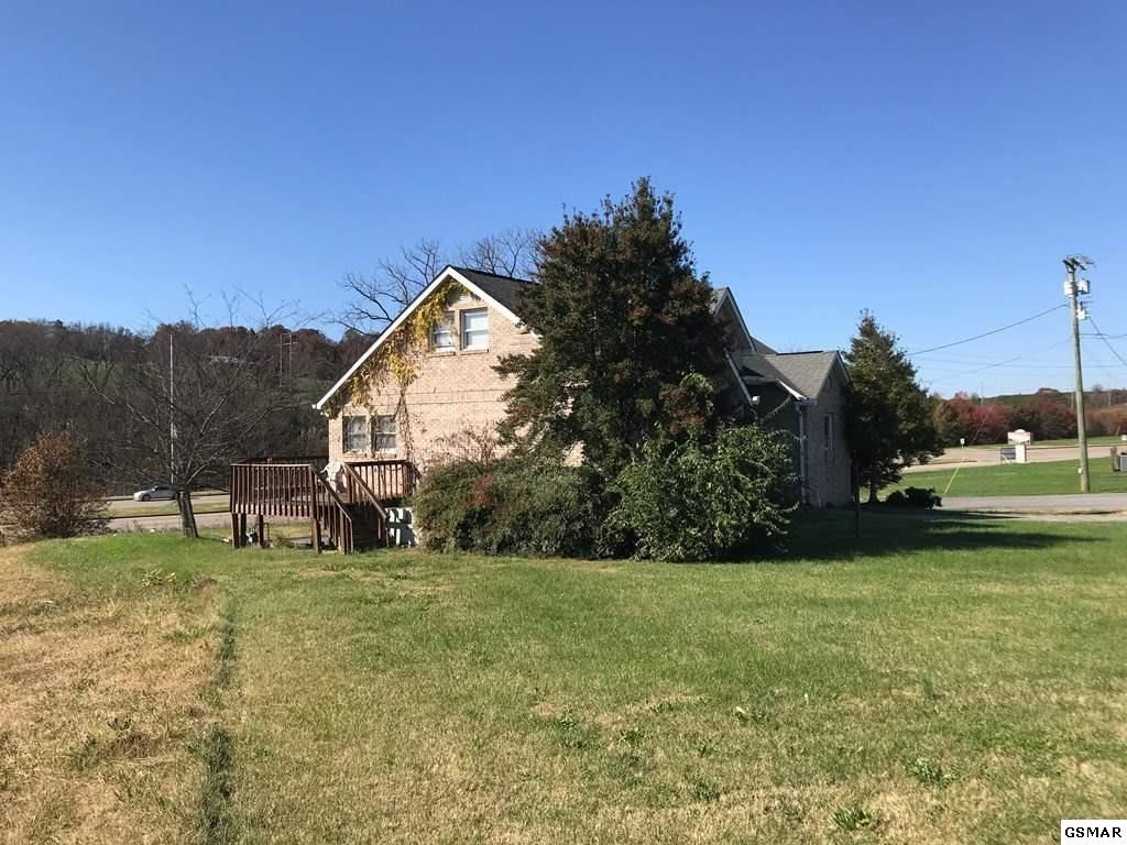 Photo of 1415 Middle Creek Road, Sevierville, TN 37862 (MLS # 231190)