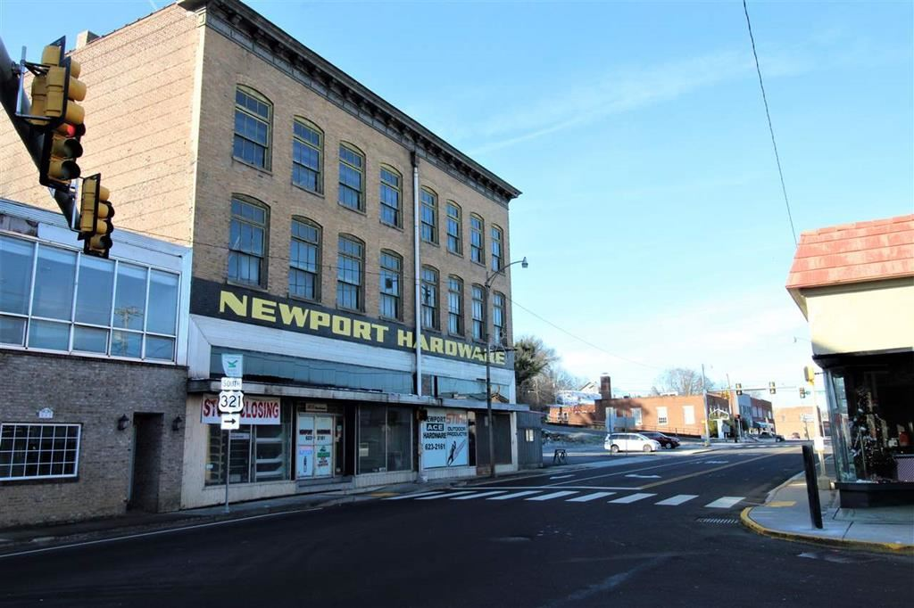 Photo of 237 E Beoadway, Newport, TN 37822 (MLS # 243285)