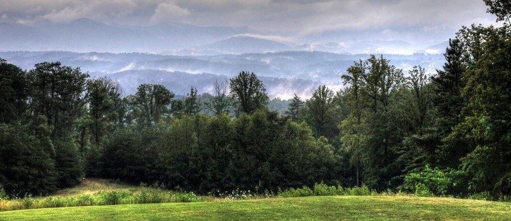 Photo of 1500 Pinnacles Way, Newport, TN 37821 (MLS # 243334)