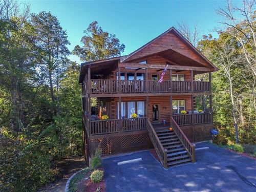 Photo of 2017 OAKMONT DR, Sevierville, TN 37876 (MLS # 242411)