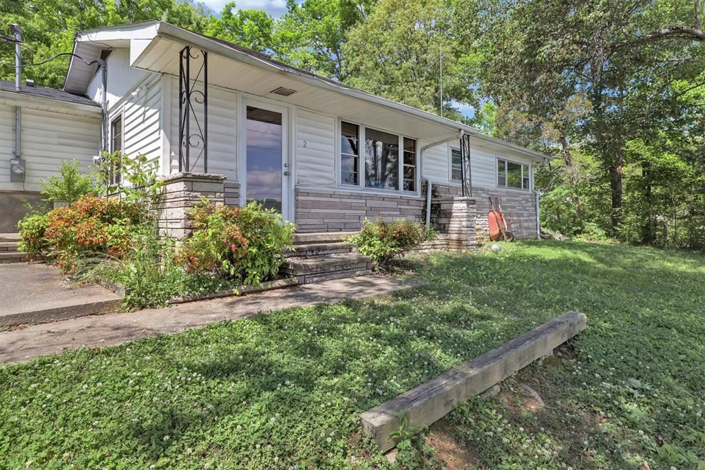 Photo of 1011 Old Knoxville Hwy, Sevierville, TN 37862 (MLS # 242416)