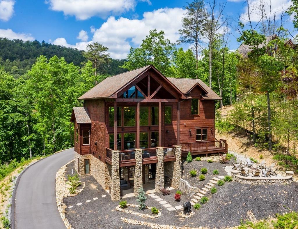 Photo of 3107 Mountain Grace, Sevierville, TN 37876 (MLS # 242578)