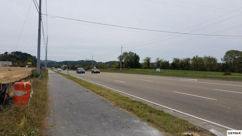 Photo of Lot 15 Veterans Blvd Veterans Business Park West, Sevierville, TN 37862 (MLS # 230625)