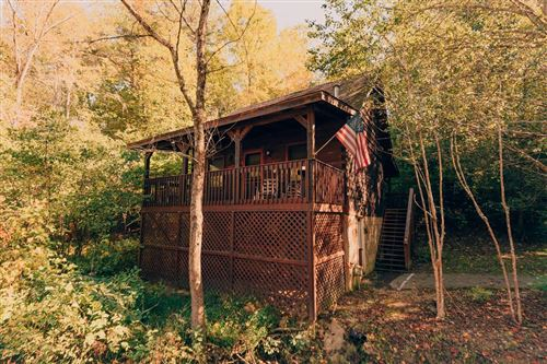 Photo of 718 Falcons Nest Way, Pigeon Forge, TN 37863 (MLS # 245652)
