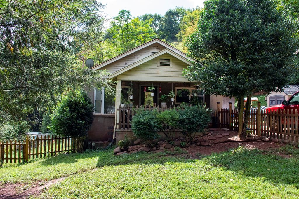 Photo of 4217 Cruze Road, Knoxville, TN 37920 (MLS # 245735)