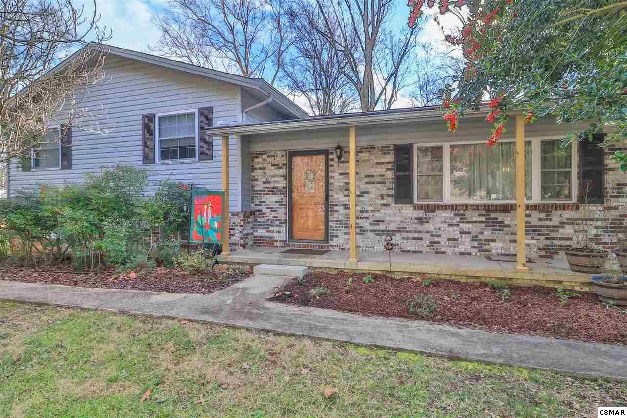 Photo of 723 Robertsville Rd, Oak Ridge, TN 37830 (MLS # 231789)