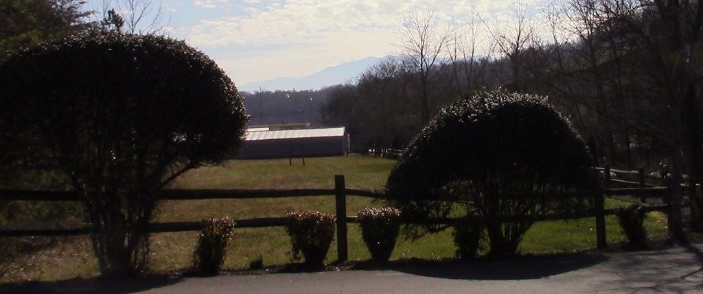 Photo of Tract 1 Laurel Crest Lane, Pigeon Forge, TN 37863 (MLS # 240797)