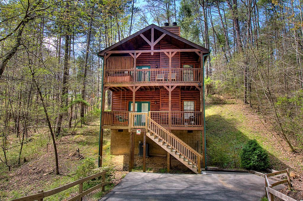 Photo of 2746 Mountain View Circle Glory Days, Sevierville, TN 37862 (MLS # 241807)