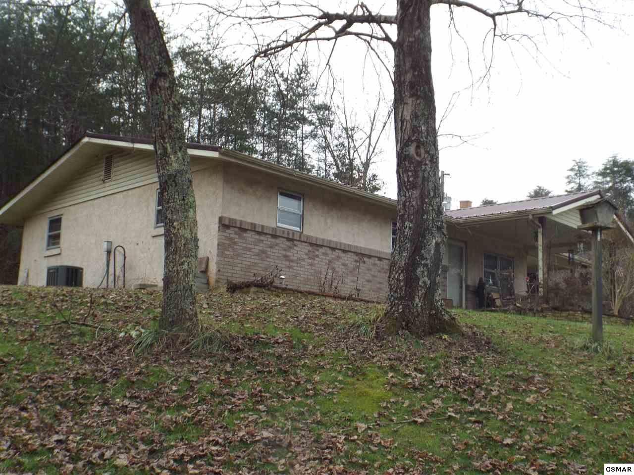 Photo of 3704 Wilhite Rd, Sevierville, TN 37876 (MLS # 231815)