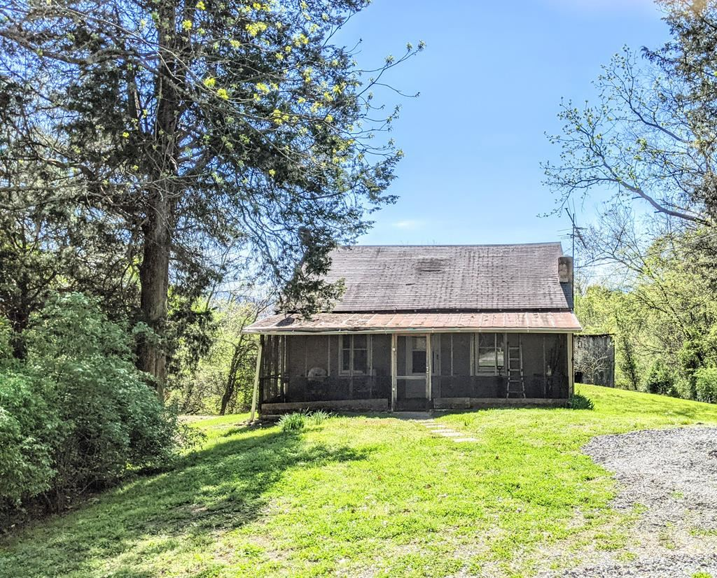 Photo of 436 Happy Hollow Ln, Sevierville, TN 37876 (MLS # 241829)