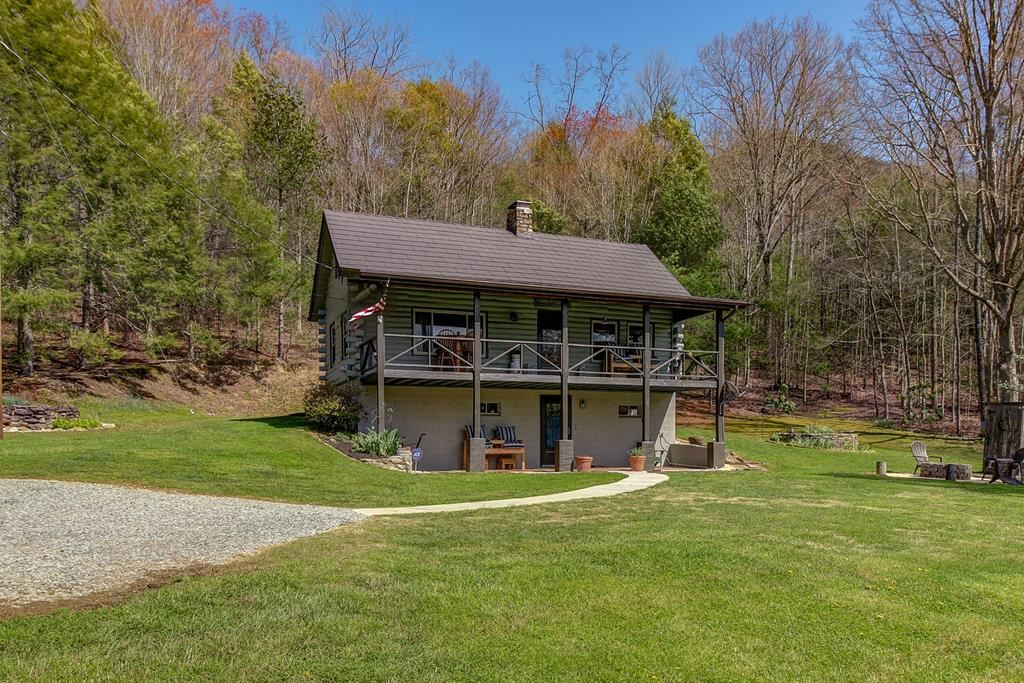 Photo of 2703 Clabo Road, Sevierville, TN 37862 (MLS # 241830)