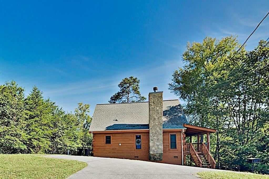 Photo of 2700 Windfall Estates Drive, Sevierville, TN 37876 (MLS # 241831)