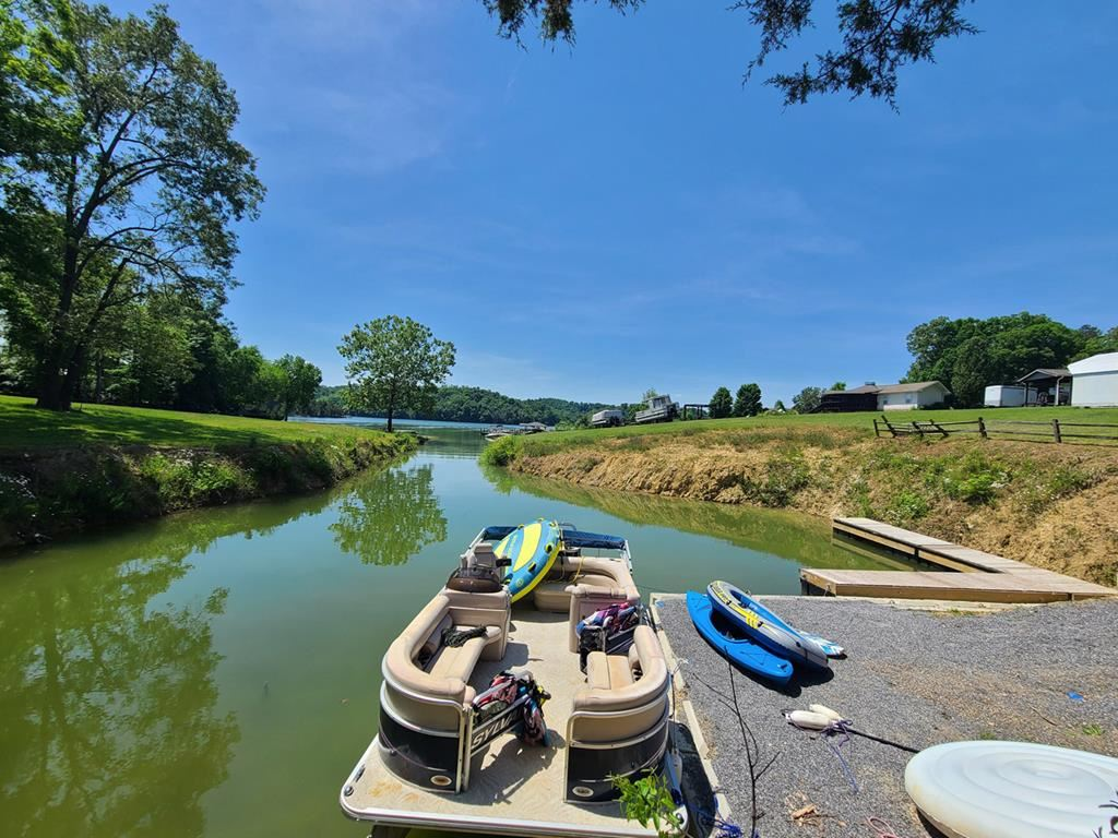 Photo of 937 Hidden Harbor Lane, Sevierville, TN 37876 (MLS # 241860)