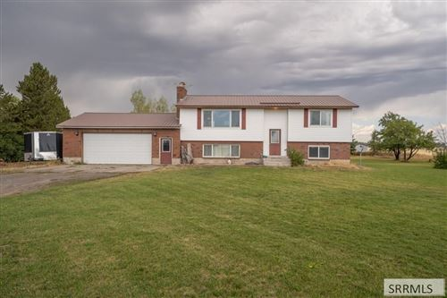 Photo of 1707 E 400 N, ST ANTHONY, ID 83445 (MLS # 2125885)