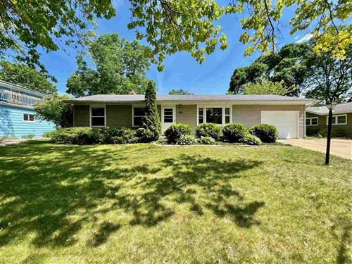 Photo of 1611 Meadow Crest Ln, Middleton, WI 53562 (MLS # 1911002)