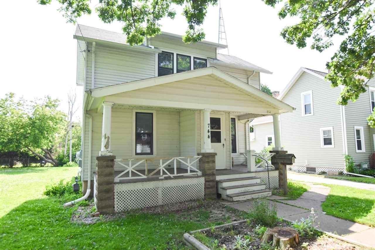 744 Bowen St, Oshkosh, WI 54901 - #: 1910002
