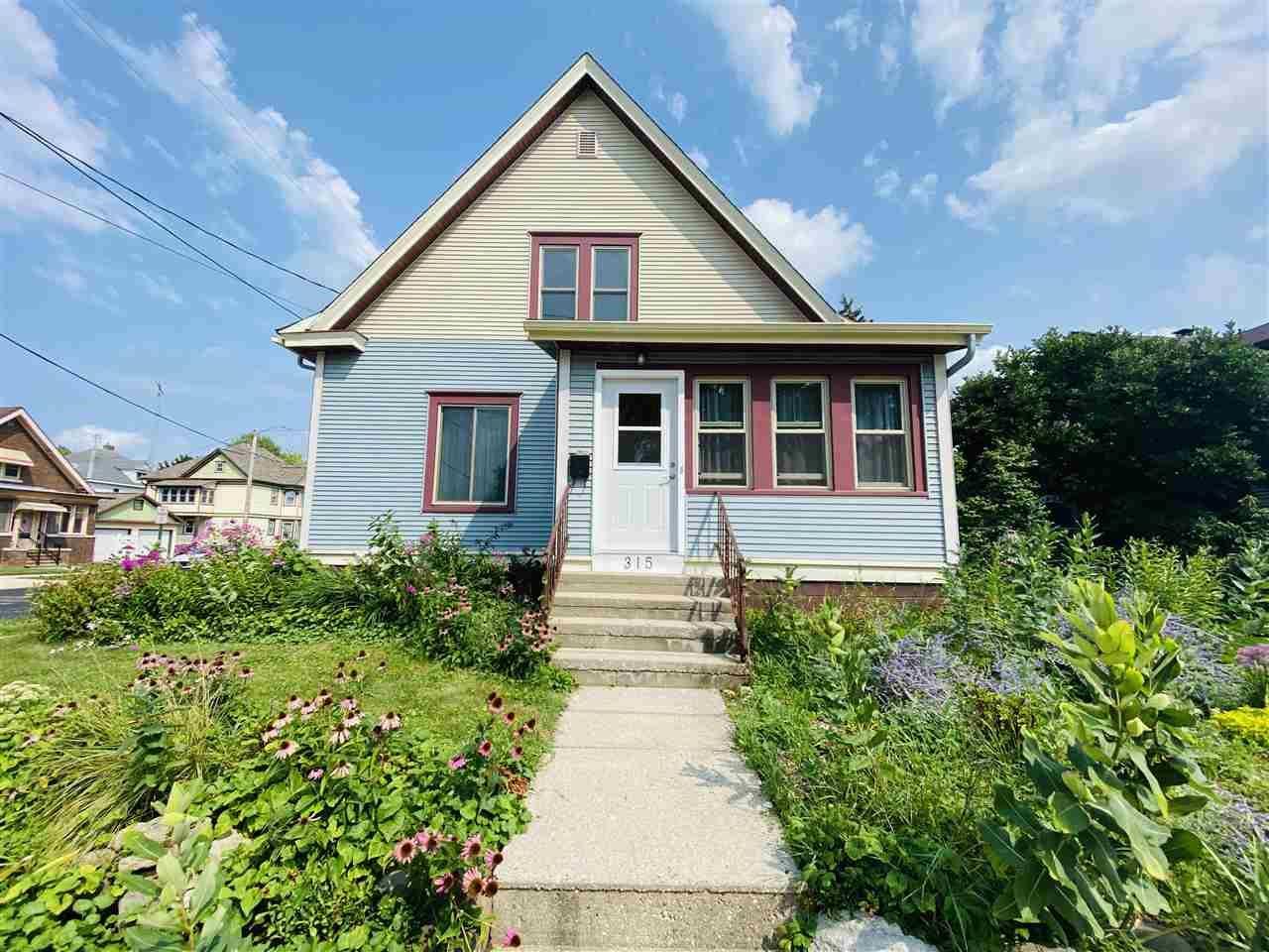 315 N 4th St, Watertown, WI 53094 - #: 1917005