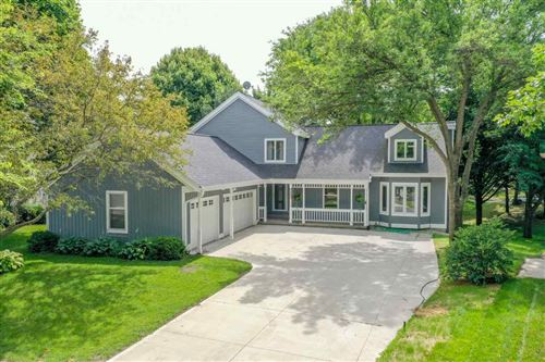 Photo of 7865 E Oakbrook Cir, Madison, WI 53717 (MLS # 1889011)