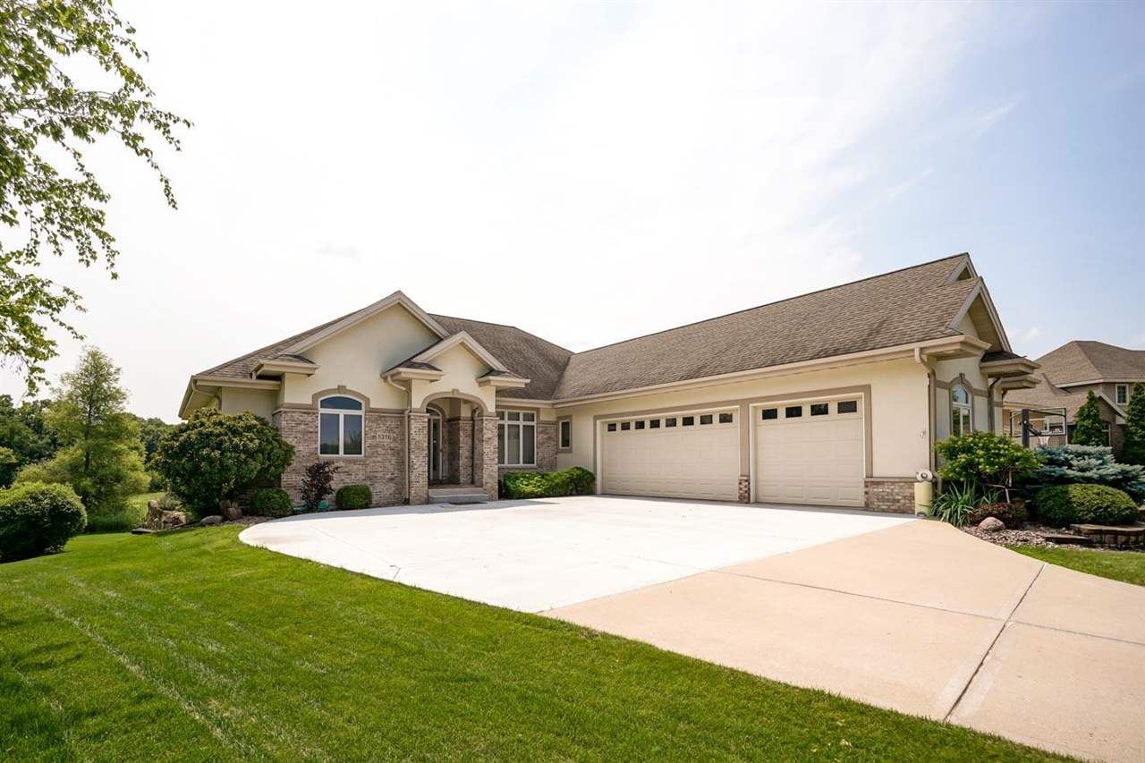Photo for 1316 Hanover Ct, Waunakee, WI 53597 (MLS # 1915011)