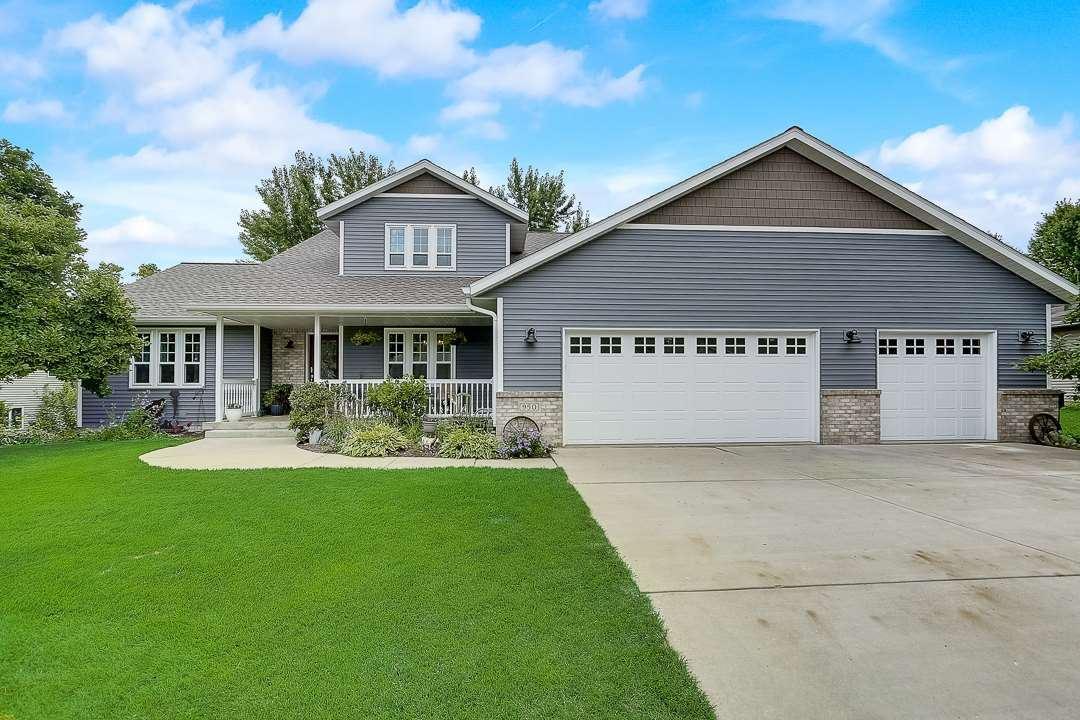 950 Valley Rd, Poynette, WI 53955 - #: 1890012