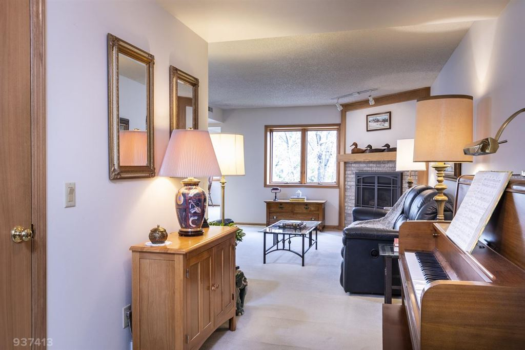 Photo for 17 Maple Wood Ln #202, Madison, WI 53704 (MLS # 1872013)