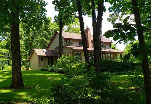 Photo of 796 Whispering Oaks Rd, Oregon, WI 53575 (MLS # 1883018)