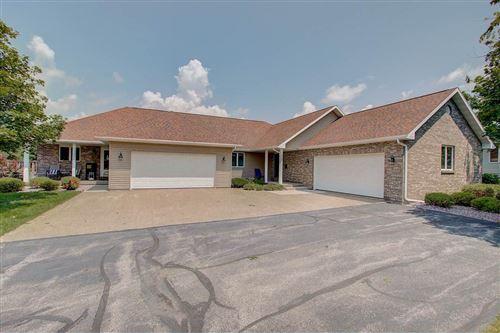 Photo of 632 Prairie Hills Dr, Dodgeville, WI 53533 (MLS # 1888018)