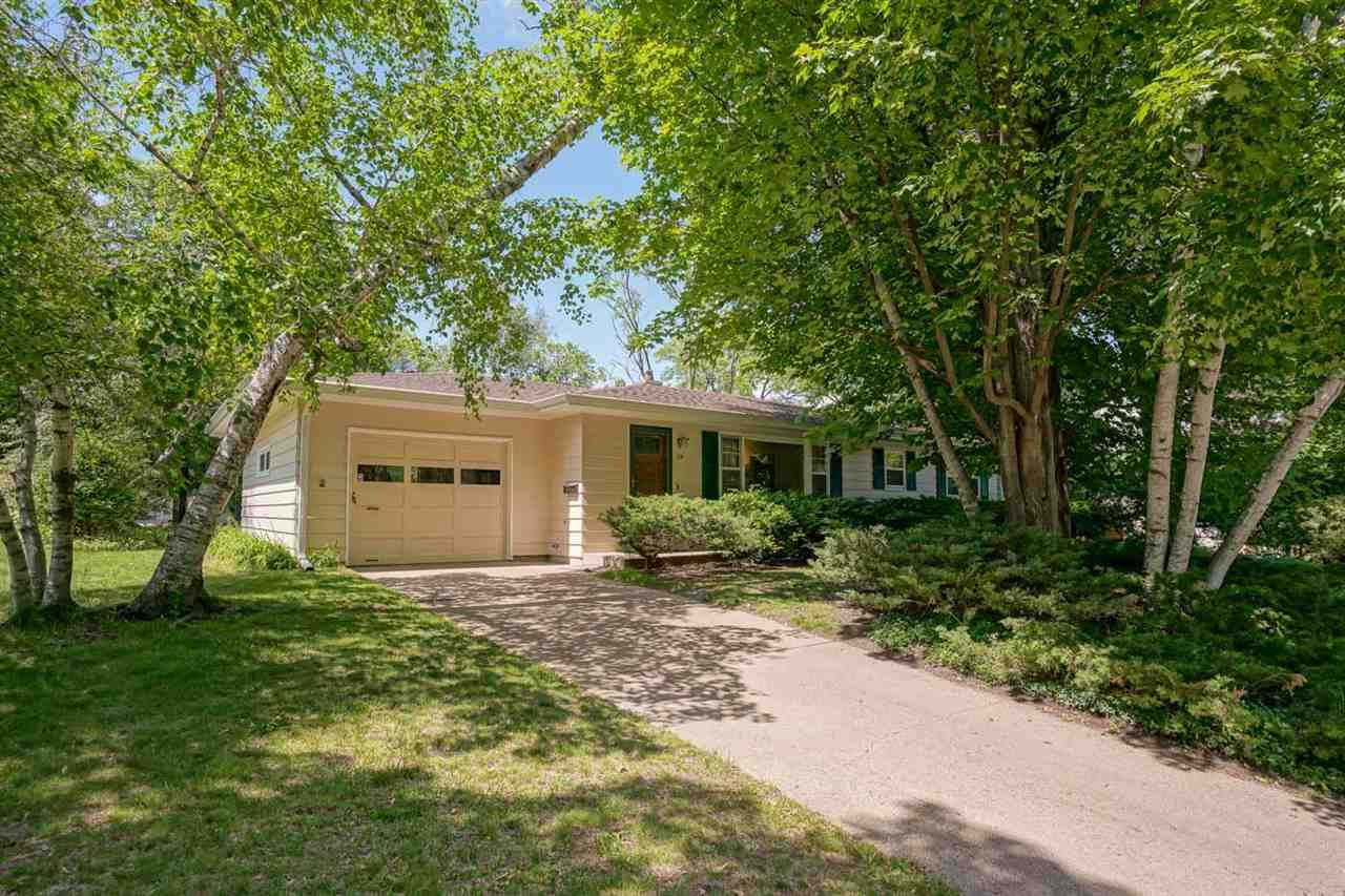 Photo for 118 Marinette Tr, Madison, WI 53705 (MLS # 1909018)