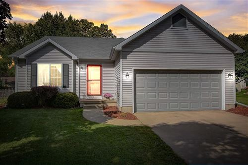 Photo of 217 Vintage Ln, Cottage Grove, WI 53527 (MLS # 1894021)