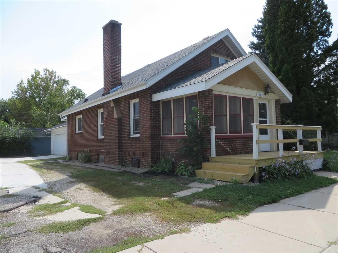 1509 W Court St, Janesville, WI 53548 - #: 1893023