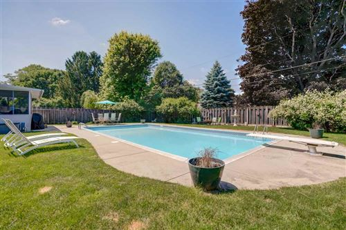 Photo of 622 Whitehall Dr, Madison, WI 53714 (MLS # 1886025)