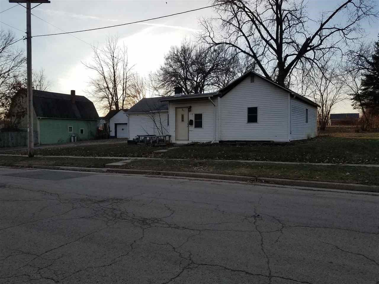 118 N Commercial St, Waupun, WI 53963 - #: 1874027