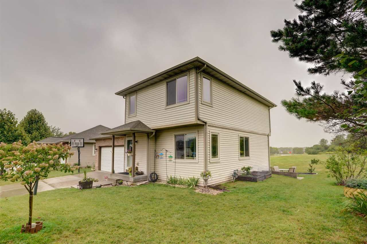 512 Lexington Dr, Oregon, WI 53575 - #: 1892028
