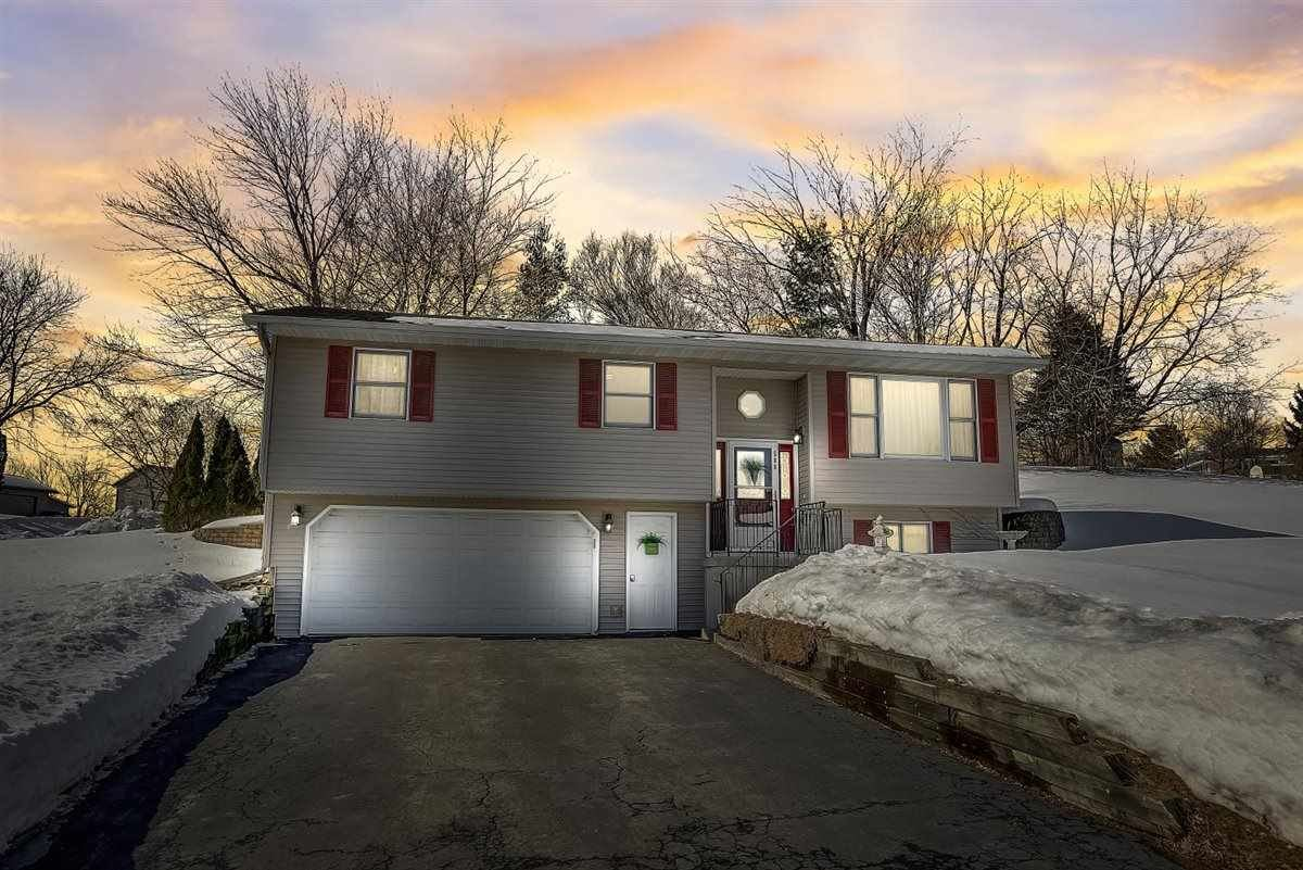 500 Brian St, Mount Horeb, WI 53572 - #: 1903028
