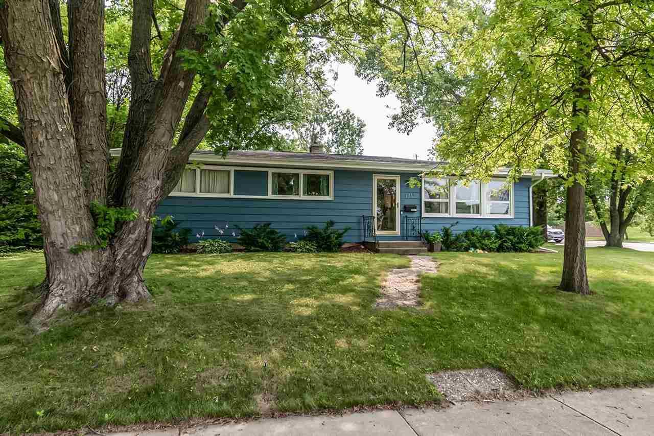 1717 Dondee Rd, Madison, WI 53716 - #: 1915033