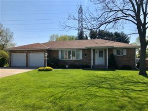 Photo of 202 Beechwood Dr, Janesville, WI 53548 (MLS # 1858035)