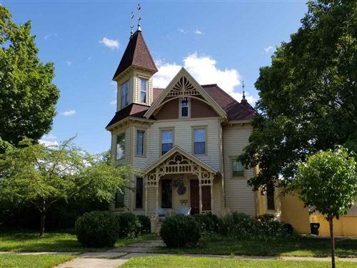 Photo of 314 W Franklin St, Portage, WI 53901 (MLS # 1878035)