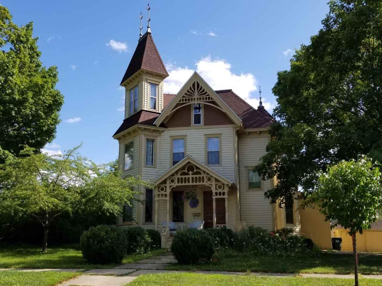 314 W Franklin St, Portage, WI 53901 - #: 1878035