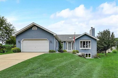 Photo of 3706 Spring Hill Ct, Middleton, WI 53562 (MLS # 1916036)
