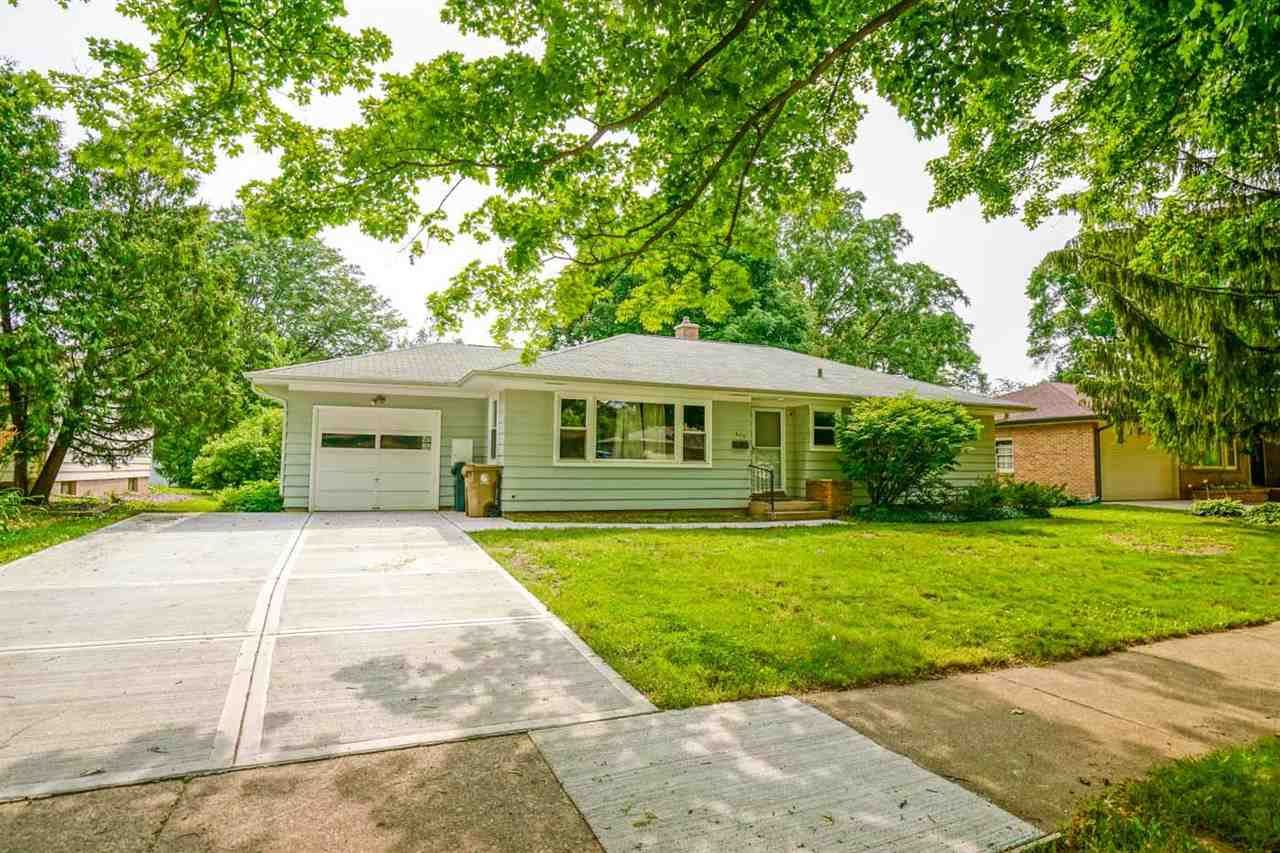 Photo for 649 Odell St, Madison, WI 53711 (MLS # 1915036)