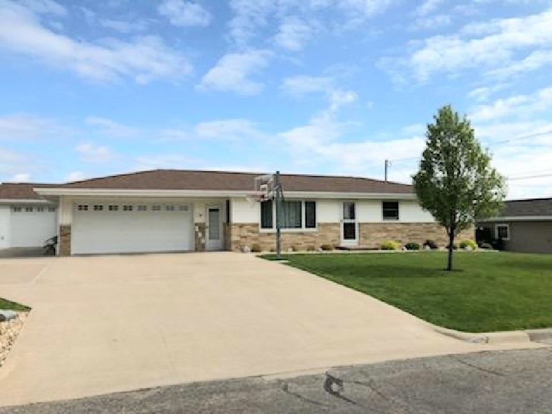 139 Crest View Dr, Potosi, WI 53820 - #: 1884043