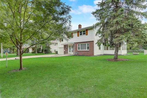 Photo of 2205 Brentwood Pky, Madison, WI 53704 (MLS # 1903045)