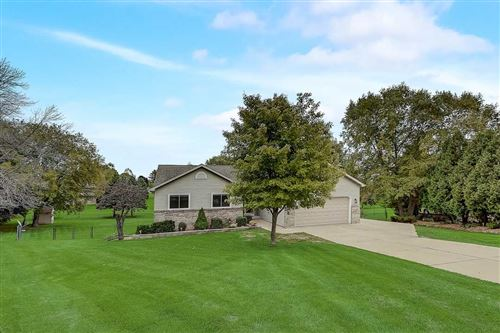 Photo of 2131 Southern Ct, Cottage Grove, WI 53527 (MLS # 1894046)