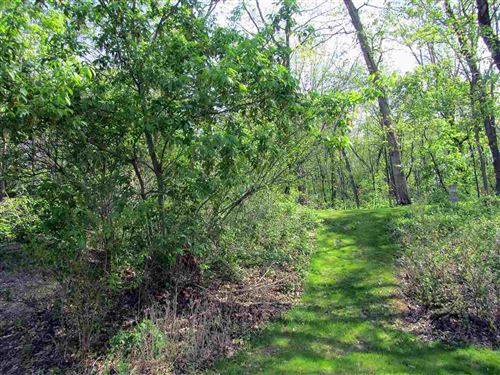 Photo of L3 Oak Savannah Ct, Marshall, WI 53559 (MLS # 1876053)